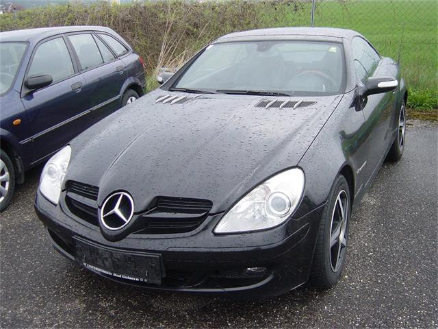 mercedes benz slk 200 kompressor gebrauchtwagen 2006 oberweis. Black Bedroom Furniture Sets. Home Design Ideas